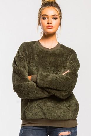 T21908 Faux Fur Kangaroo Pocket Pullover Top