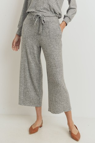 P2467 Pin Tuck Cropped Brushed Knit Culotte Pants