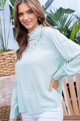 LT32209 EMBROIDERED TOP.