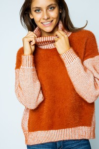 SPL7446 FURRY CHENILLE FRONT TURTLENECK SWEATER
