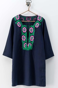 0735-8982 FLORAL EMBROIDERED PULL OVER PONCHO