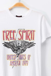 0919-3765 FREE SPIRIT CREW NECK SHORT SLEEVE GRAPH
