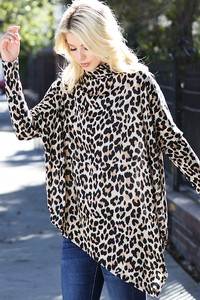 TC1977 Leopard print soft knitted poncho style top